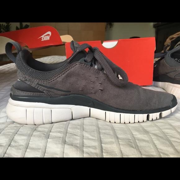 low priced 412fb 05ce5 Nike x APC Free OG SP dark grey suede sz 7. M5aca549a3a112e44101e46ad